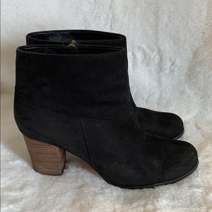 Cole Haan Nike Air black booties!  Size 10!